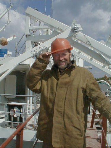 Николай Симонов 40 лет работает на заводе «Красное Сормово» (из них 35 лет судосборщиком. Рабочий стаж 46 лет)